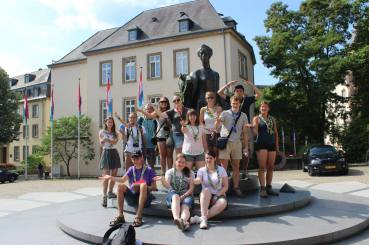 Together 2014: group photo in front of Statue de la Grande-Duchesse Charlotte